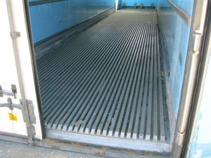 40ft insulated shipping container entrance