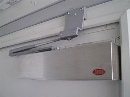 Secure container door recloser