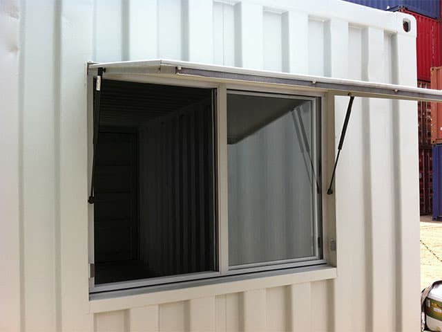Transportable mobile workshop window