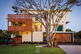 31-Shipping-Container-House-011-850×566