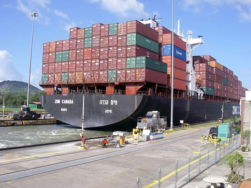 Panama canal - shipping container transport