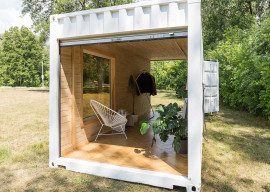 shipping-container-boutique-by-needs-wants-studio-5